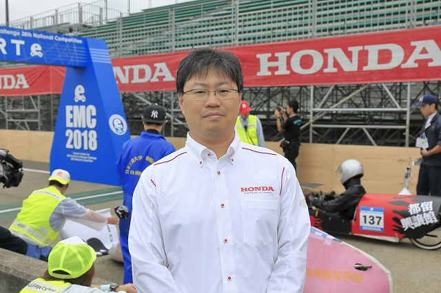 Manager of the Race Operations Office, Soichi Yamana (Director, Motorcycle Department, Motor Sports Division, Brand and Communication Operations, Honda Motor Co., Ltd.)