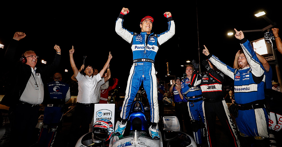 Sato, Honda Win Thriller in St. Louis