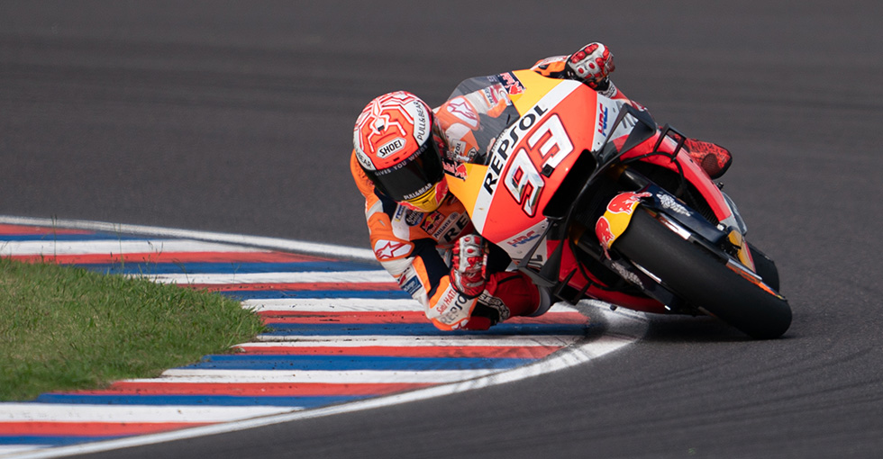Marquez Dominates to Take World Championship Lead