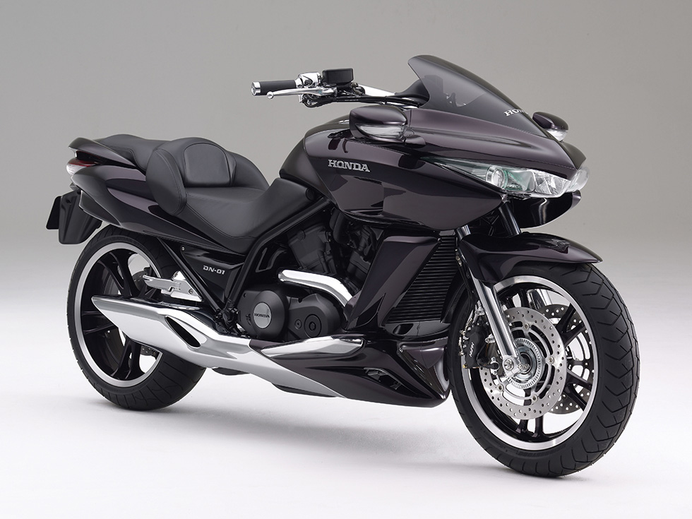 "Honda Introduces ""DN-01"" Concept Motorcycle at Tokyo Motor Show, A Large-size Sports Bike with an Automatic Transmission"